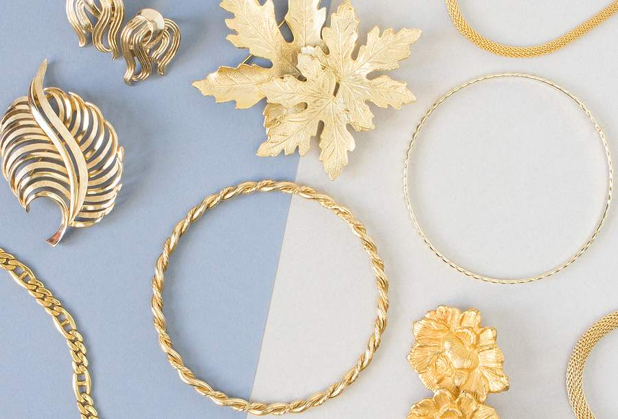 Separate Your Bangles and Baubles With These Fantastic Jewelry Organizers
